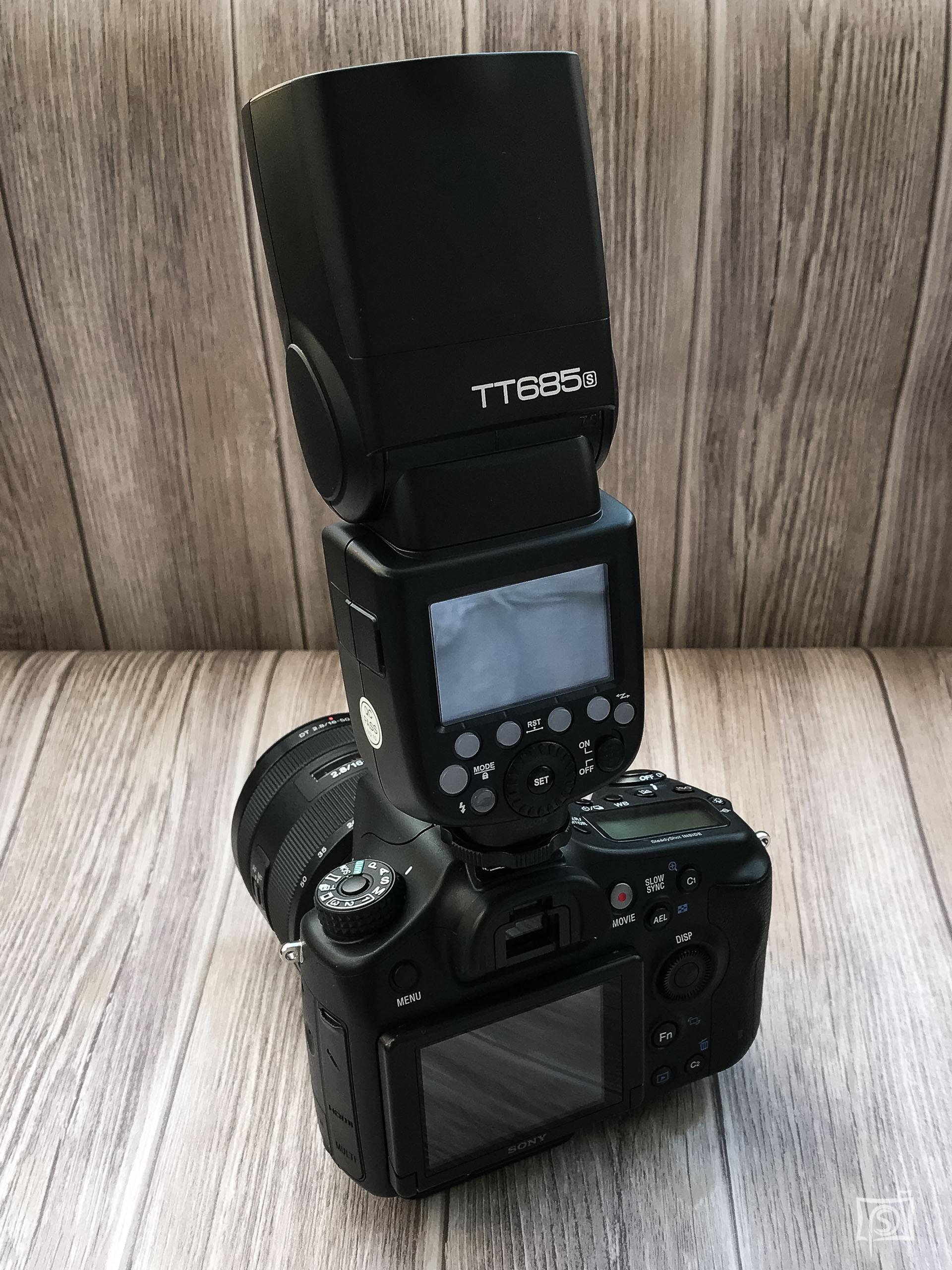 Sony a68 mit Godox TT685s