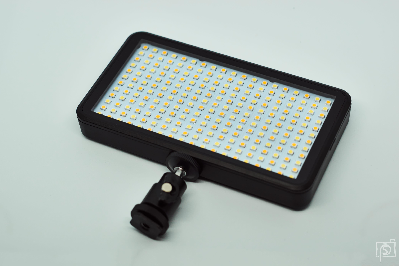 LED-Leuchte mit Standfuss